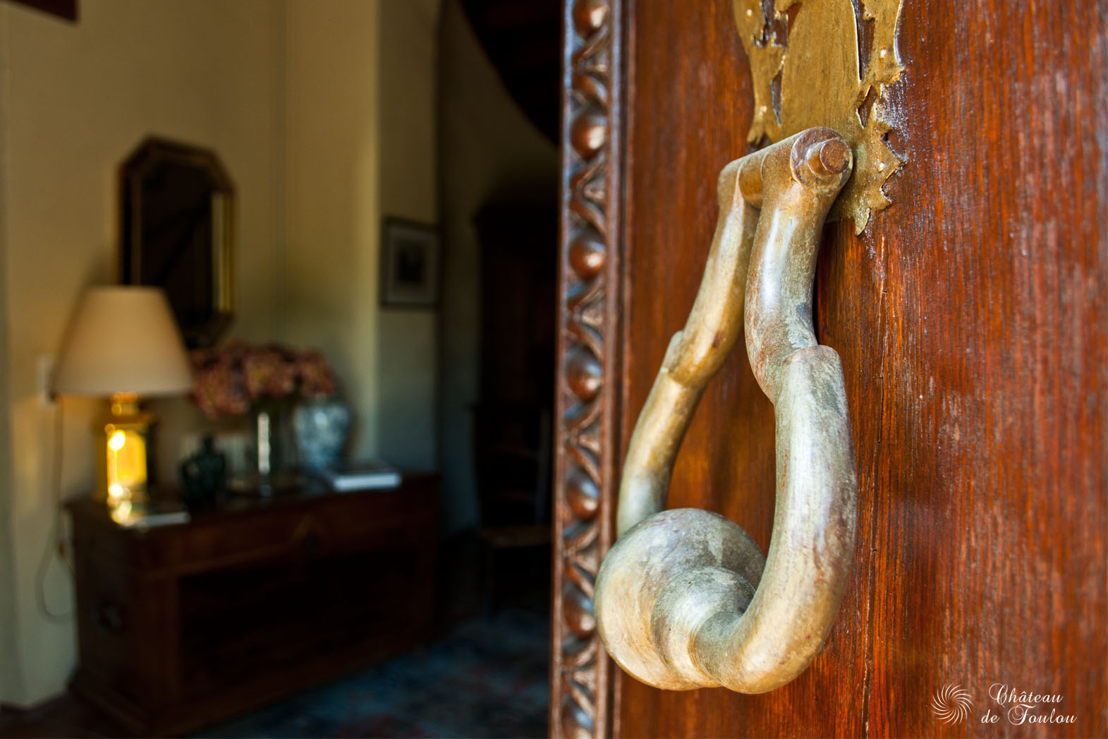 http://www.chateau-de-foulou.com/wp-content/uploads/2014/05/roomfoulou04.jpg
