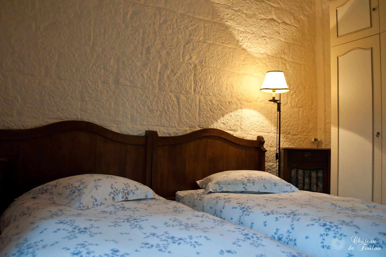 http://www.chateau-de-foulou.com/wp-content/uploads/2014/05/roomtour08.jpg